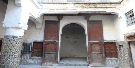 Maison indépendante entièrement à rénover