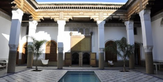 Riad de luxe titré avec piscine