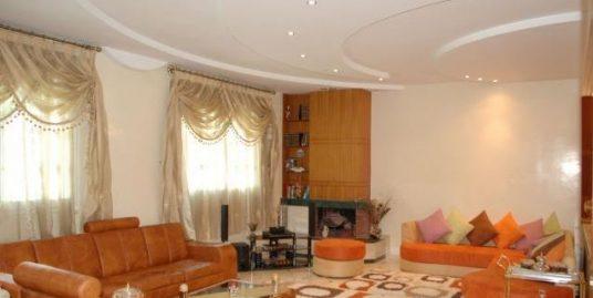 Belle villa  de 405 m² à route Immouzzer