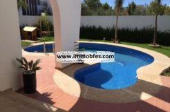 Villa avec fontaine