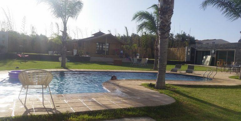 villa de 2500 m² meublé à louer