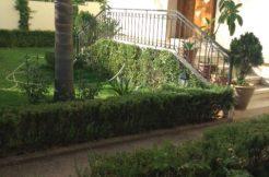 Belle villa avec jardins