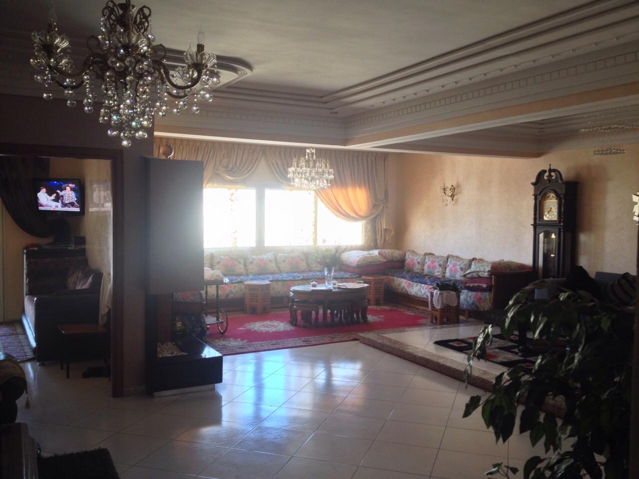 Appartement de 170 m² et deux façades à vendre