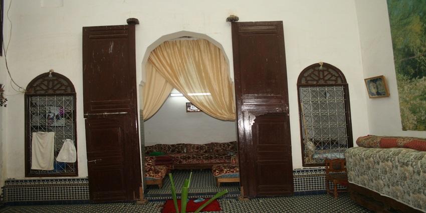 Maison traditionnelle avec trois niveaux