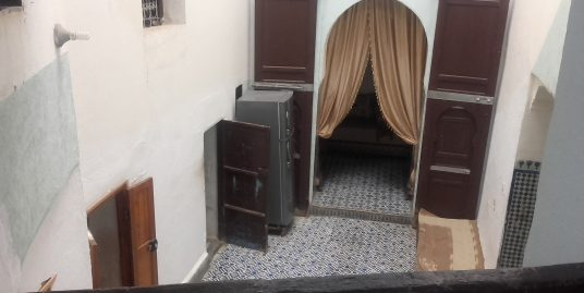 Maison traditionnelle à la vente