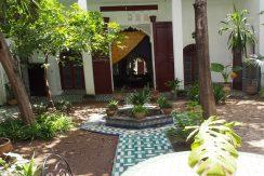 Riad avec deux fontaines et un jardin à vendre