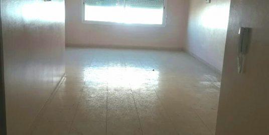 Appartement de bon qualité avec un garage et un ascenseur à vendre