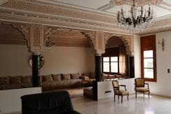 Villa de 3 façades bien située à vendre