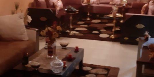 Appartement au 2 éme étage meublé à louer