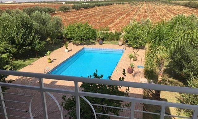 un ferme Avec villa et piscine pour location par journée