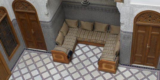 Maison traditionnelle à vendre avec quatre niveaux