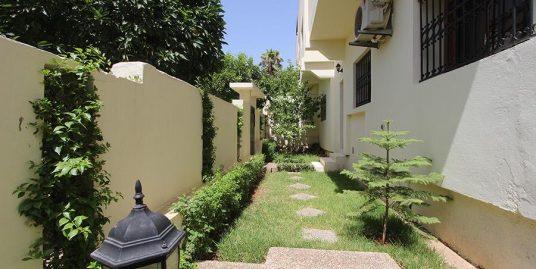 Très belle villa avec titre foncier et jardin