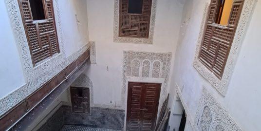 Maison Traditionnelle  titré  Avec Deux Entrées