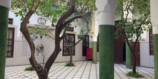 Maison a vendre avec  très bonne jardin