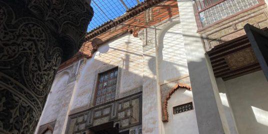 Maison titré avec messriya et trois escaliers