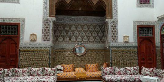 belle maison traditionnel