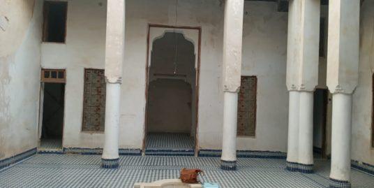 Grande maison traditionnelle a restauré titré